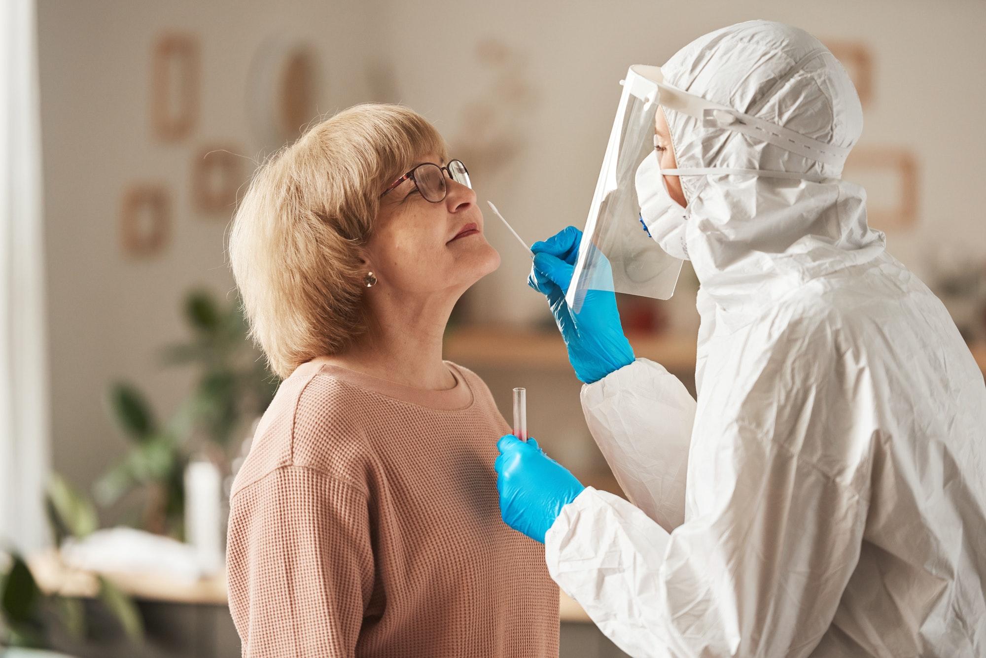 Coronavirus test in the elderly people